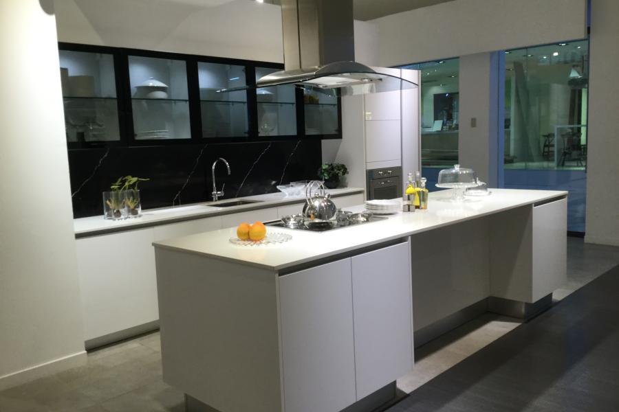 Viro Kasa white design kitchen